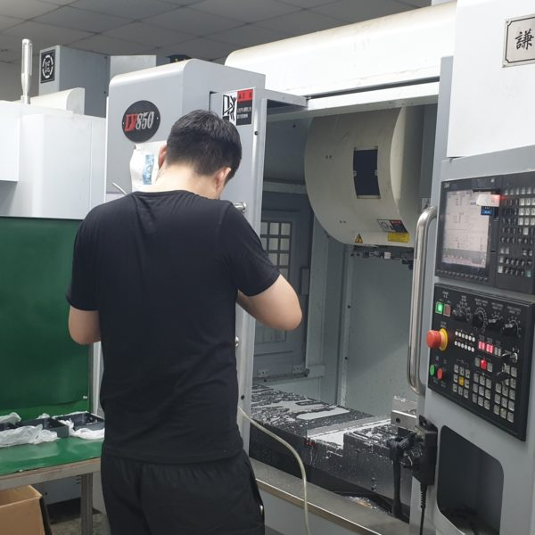 CNC milling and turning service - 10 proven benefits of outsourcing manufacturing