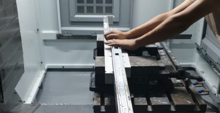 Milling of long extruded aluminum parts