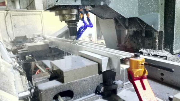 CNC machining of long aluminum parts